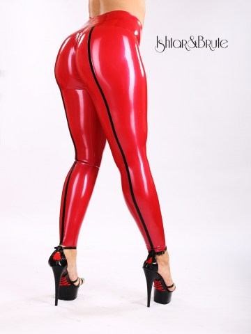 Ishtar and Brute cheeks legging in red latex 1
