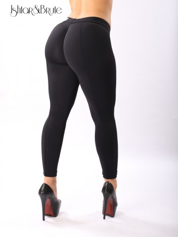 cheeks legging in black matt spandex 4