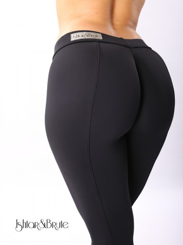 cheeks legging in black matt spandex 5